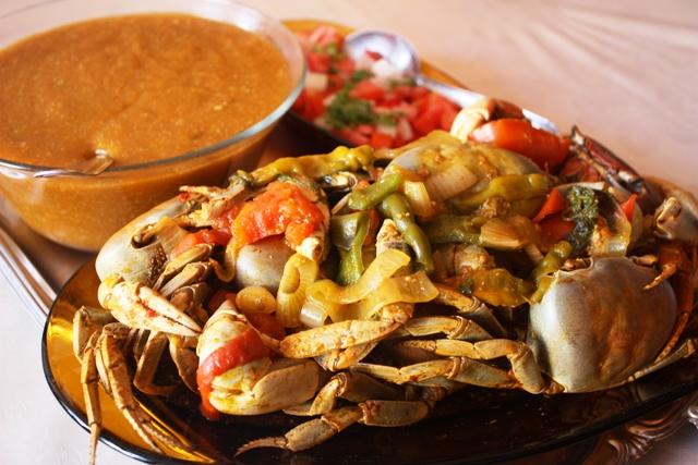 Caranguejada preparada por Nelma é uma ótima pedida no bar do Jorjão, em Penedo