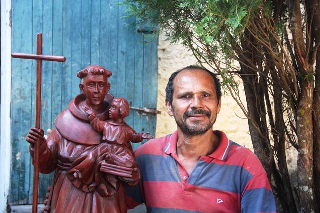 Mestre santeiro Timmaia e sua arte em Penedo